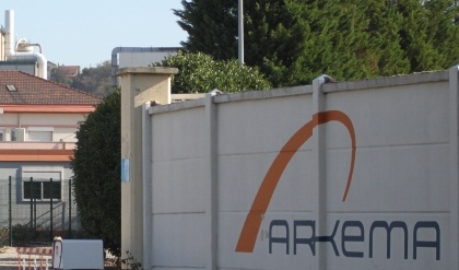 """Arkema fait marche arrière à Pierre-Bénite """"pour ne pas perdre de clients"""""""