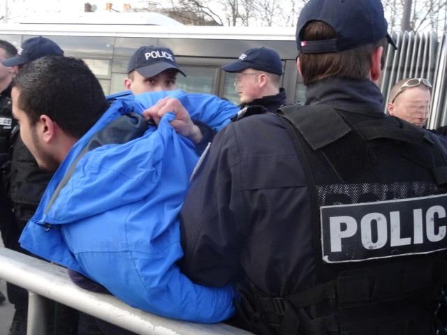 Nord-Isère : un homme fiché S interpellé, des armes et des faux passeports saisis à son domicile