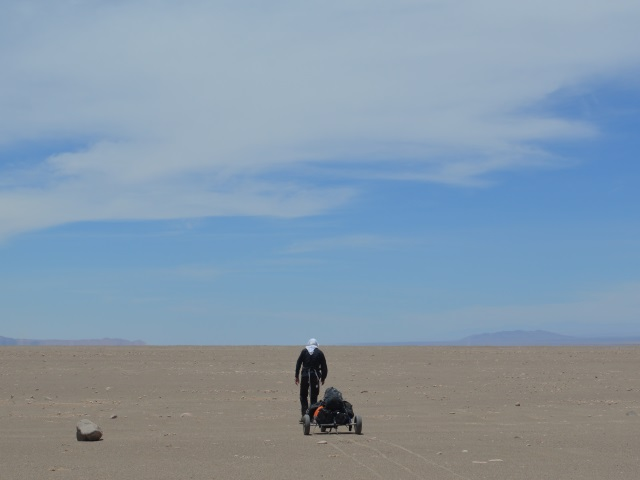 L'aventurier lyonnais Charles Hedrich s'en va battre un record dans le désert de l'Atacama