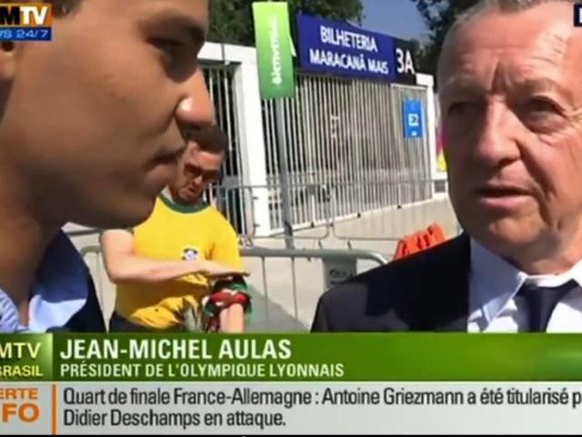 Coupe du Monde : le direct de BFMTV avec Jean-Michel Aulas perturbé par des saluts de la quenelle