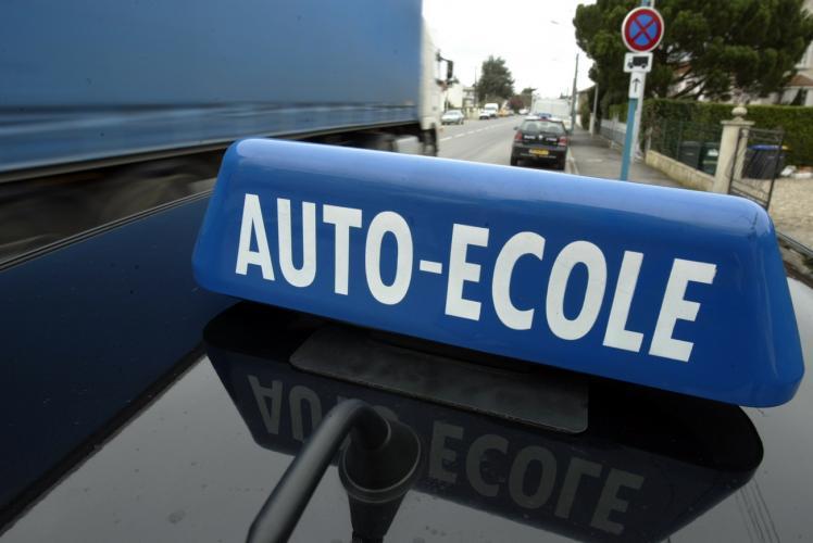 Loi Macron : les auto-écoles de Lyon dans la rue ce lundi