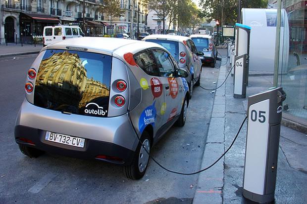 Autopartage : Bolloré va mettre en service 250 voitures électriques à Lyon