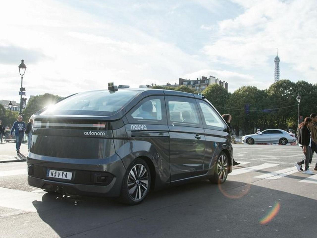 les lyonnais de navya lancent le robot taxi autonome. Black Bedroom Furniture Sets. Home Design Ideas