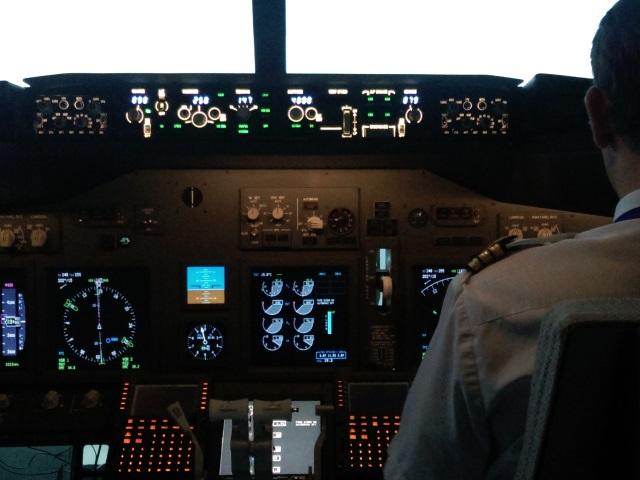 Un avion à destination de Lyon intercepté par un mirage 2000 de l'armée de l'Air