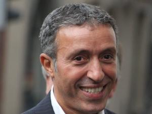 Azouz Begag demande des comptes en face à face à Nicolas Sarkozy