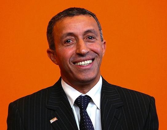 Présidentielle : Azouz Begag votera pour François Hollande