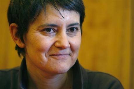 Présidentielle : Nathalie Arthaud a voté à Vaulx-en-Velin