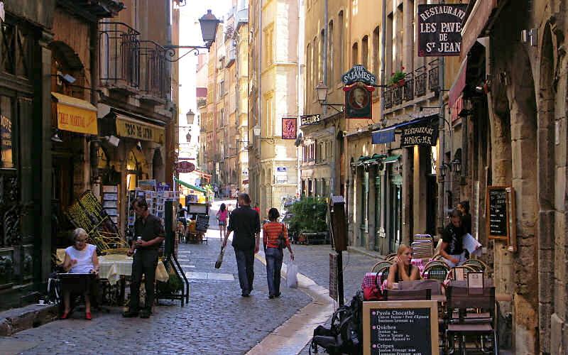 Vers une réglementation drastique sur la consommation d'alcool à Saint-Jean ?