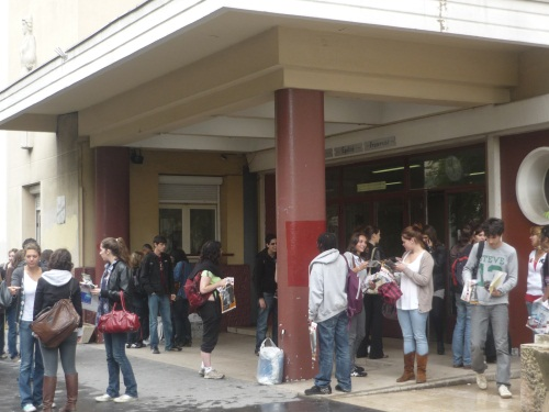 Les enseignants du lycée professionnel Diderot à Lyon en grève