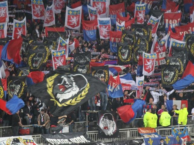 Six Ultras lyonnais arrêtés pour des dégradations à Saint-Etienne