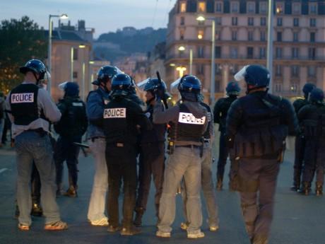 Finale de l'Euro 2016 : neuf interpellations et un policier légèrement blessé à Lyon