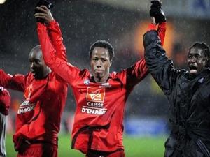 Bakary Koné (au centre) sous le maillot guingampais - DR