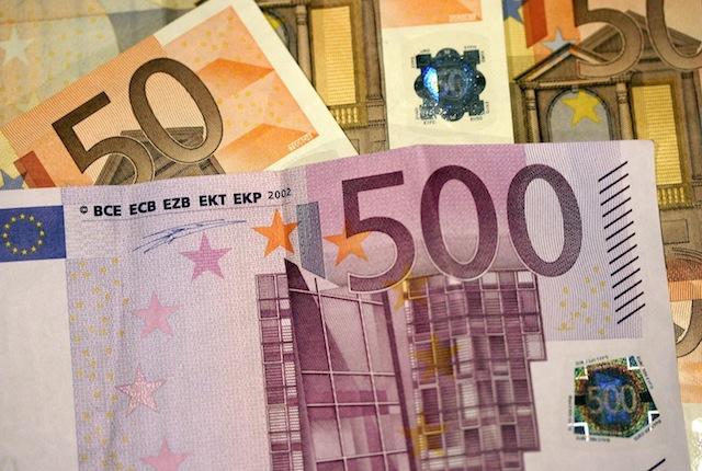1,2 million d'euros en liquide saisis par la PJ de Lyon