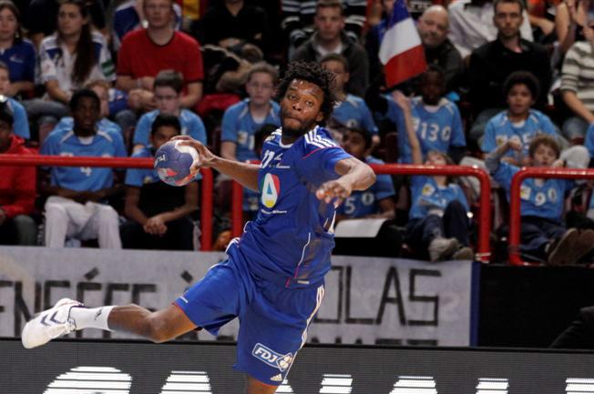 "Euro de Hand : le Lyonnais Arnaud Bingo va ""remettre le bleu de chauffe"""