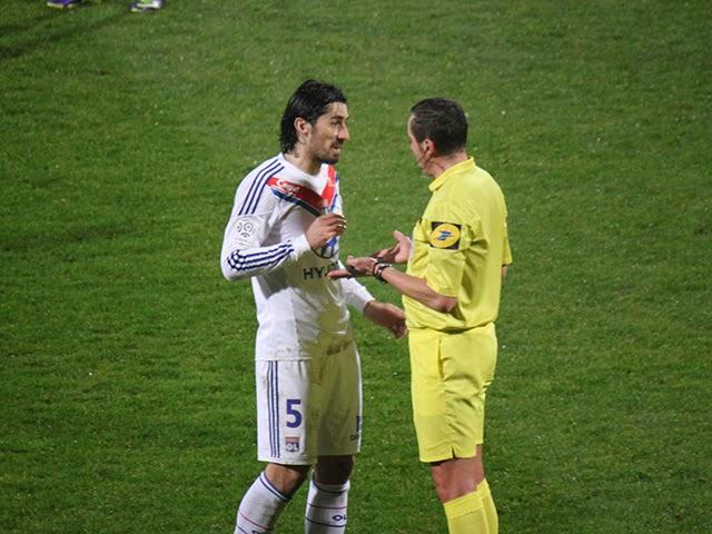 OL : Bisevac prend deux matchs ferme pour son coup de coude à Rennes
