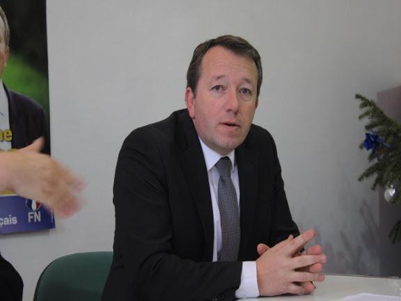 """Municipales : pour Boudot (FN), Collomb doit """"lâcher les cocktails et les inaugurations"""""""