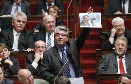 Quand André Gérin s'en prend aux frères Sarkozy (vidéo)