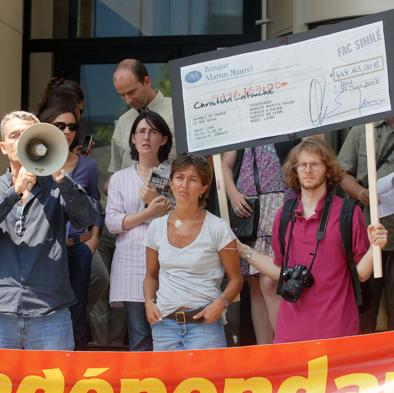 Protestation des salariés de Lyon Mag devant Fiducial