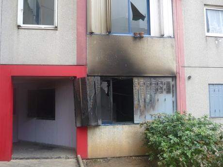 Un violent incendie ravage un immeuble d'Oullins