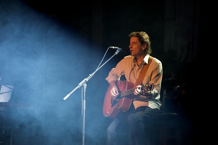 Deux dates à Lyon pour la prochaine tournée de Francis Cabrel