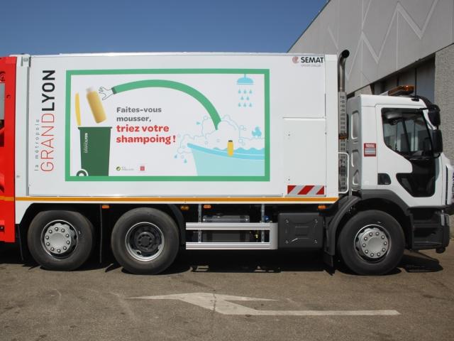 Une campagne d'affichage sur  les bennes pour favoriser le recyclage