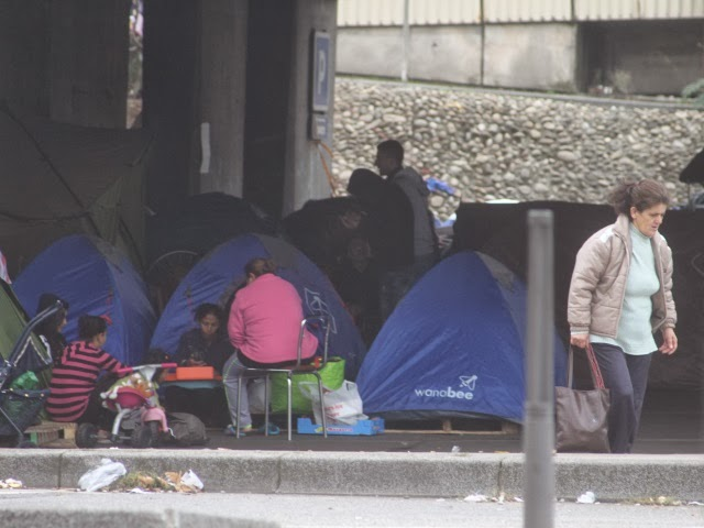 Albanais du pont Kitchener : créer davantage de places d'hébergement n'est pas une solution selon Forum Réfugiés