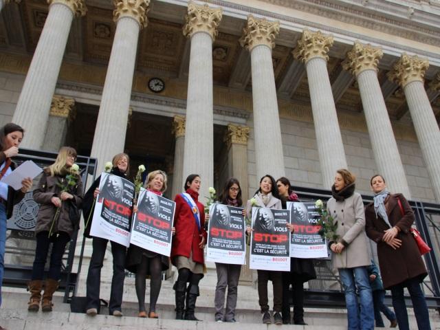 Violeur du 8e : les candidates du FN rendent hommage aux victimes