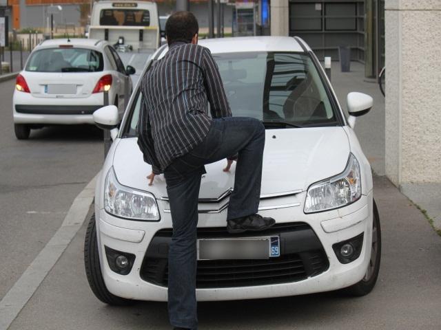 """La cour d'appel de Lyon condamne le """"car walker"""" de l'Ain"""