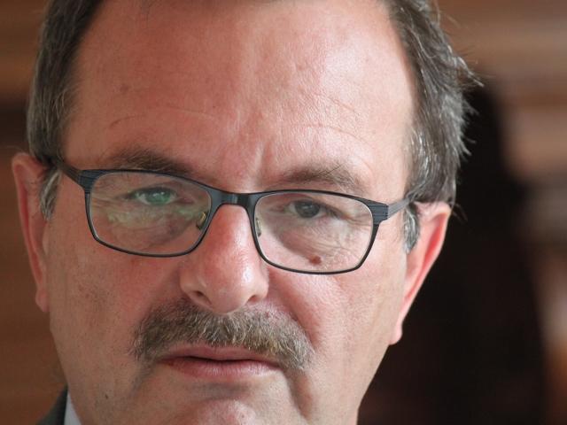 Jean-François Carenco présente ses excuses au président du conseil général