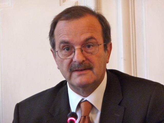 """Jean-François Carenco reste préfet du Rhône, """"pour l'instant"""""""