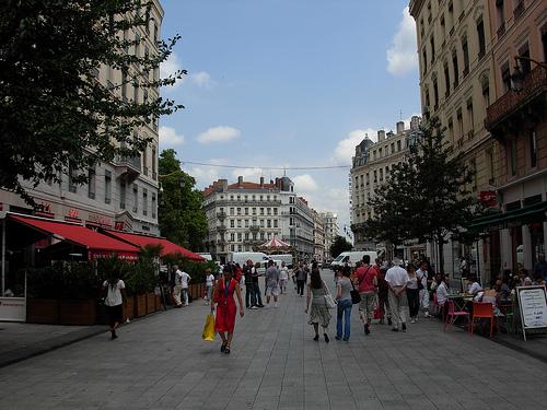 Lyon: la rue de la République s'est figée