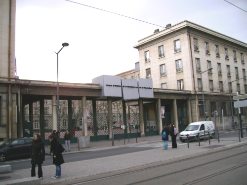 Lyon : l'esplanade du CHRD renommée esplanade Général Pierre Robert de Saint Vincent