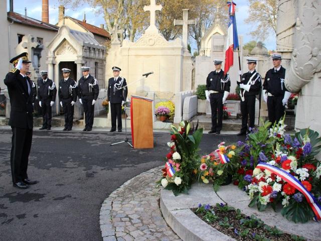 Cérémonie pour honorer la mémoire des policiers morts pour la France