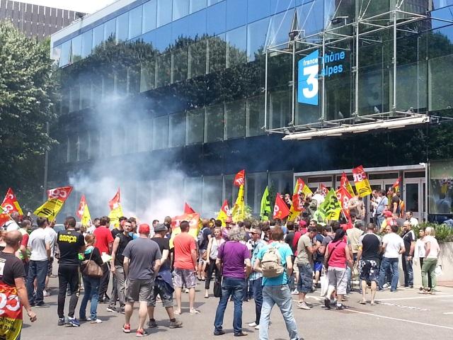 Lyon : les cheminots investissent les locaux de France 3