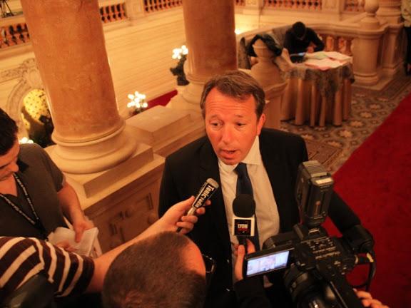 Municipales : Christophe Boudot drague ardemment les antis mariage pour tous