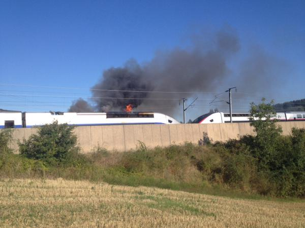 Un TGV s'enflamme près de Lyon, ses passagers évacués