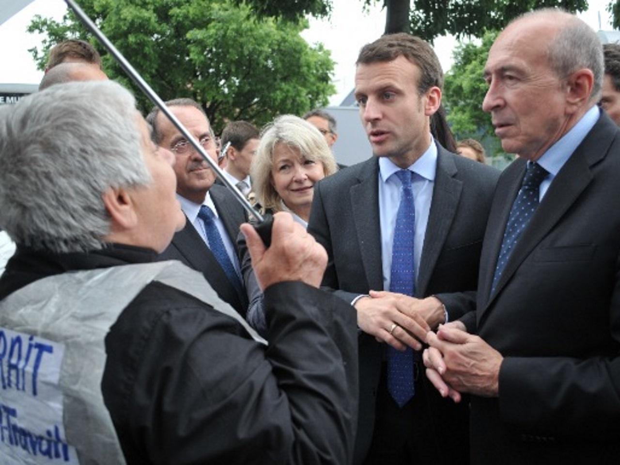 La Visite D Emmanuel Macron A Lyon Entre Tapis Rouge Et Comite D