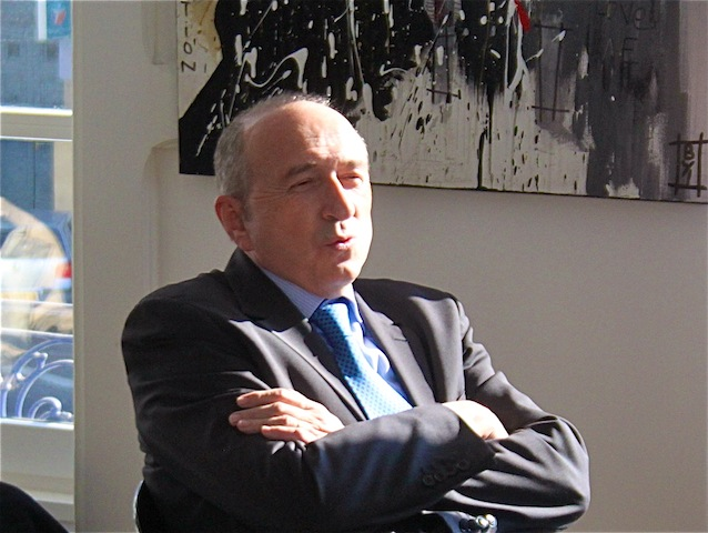 """Suppression du Sénat : """"Pourquoi pas"""" pour Gérard Collomb"""