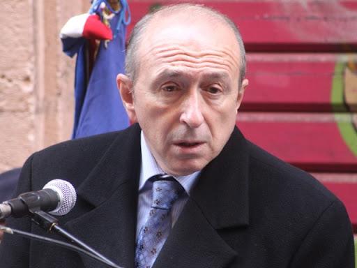 """Collomb veut davantage """"d'autorité"""" de la part de François Hollande"""