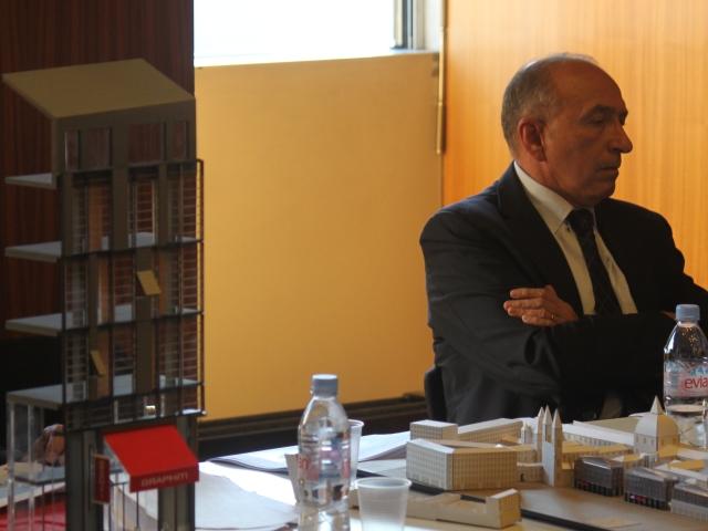 Gérard Collomb, qui milite depuis plusieurs mois contre le non-cumul des mandats, n'est plus la voix officielle du mouvement au PS - LyonMag