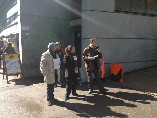 Une vingtaine de personnes réunies à Lyon pour soutenir les victimes du violeur du 8e