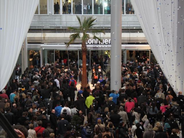 Des milliers de personnes pour l'ouverture de Confluence