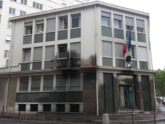 Le consulat d'Italie visé par les anti Lyon-Turin