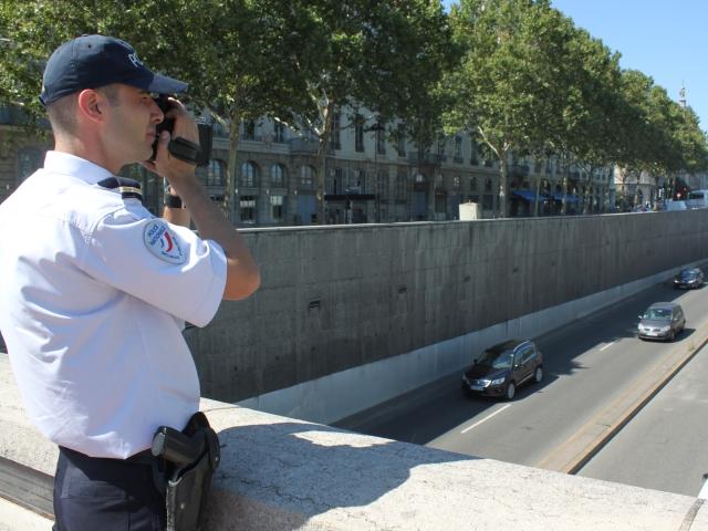 Bron : un mineur interpellé à 180 km/h !