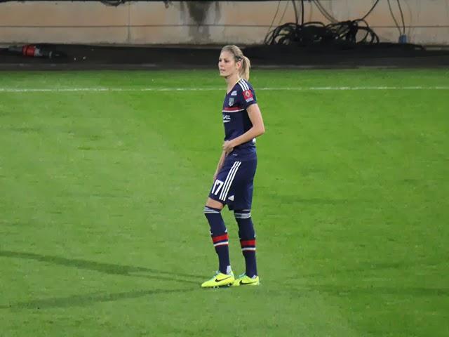 Corine Petit prolonge son contrat avec l'OL féminin
