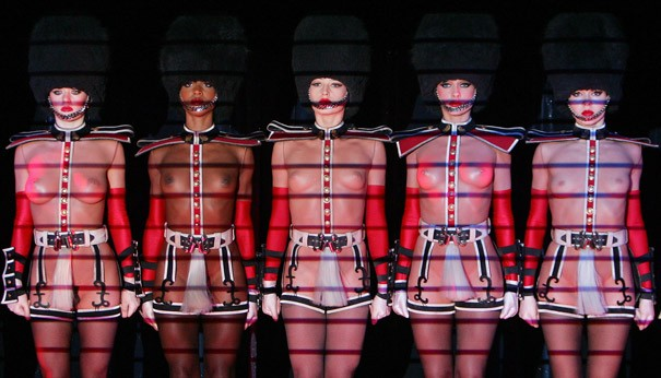 Le Crazy Horse va se produire à Lyon en 2014