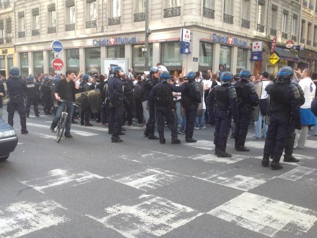 Avant OL / Rejika : 350 supporters croates dans les rues de Lyon, encadrés par les CRS