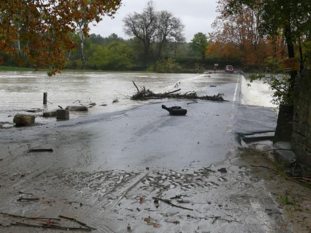 Inondations dans le Rhône : la ville de Givors particulièrement touchée