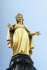 Fourvière : la statue de la Vierge déboulonnée