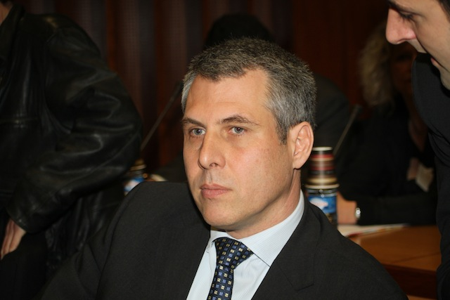 Philippe Meunier réclame la démission d'une ministre